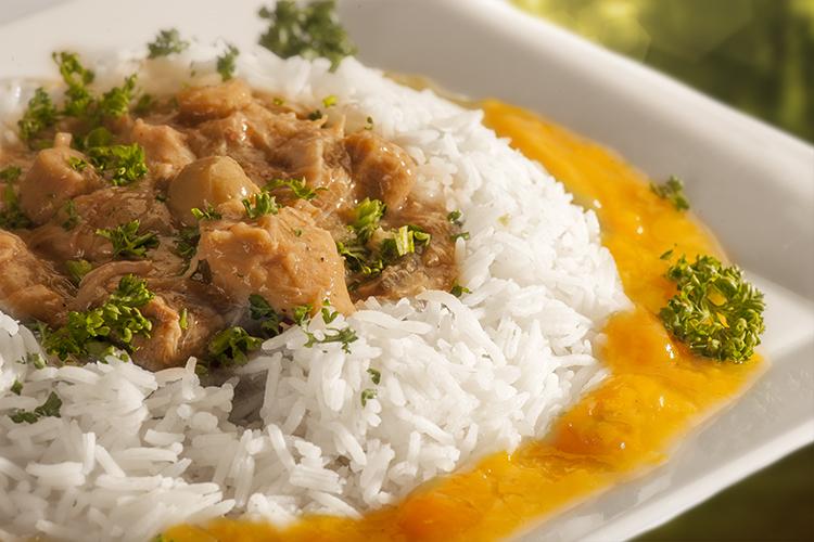 Kalfsragout met rijst en abrikozenkompott