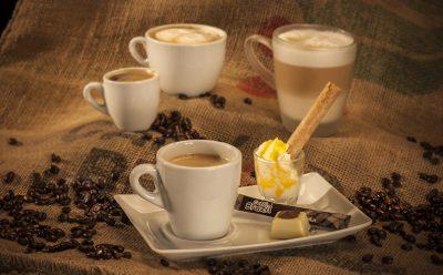 Diverse 'aangeklede' Koffies